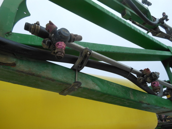 Fast 9613N Pull-Type Sprayer