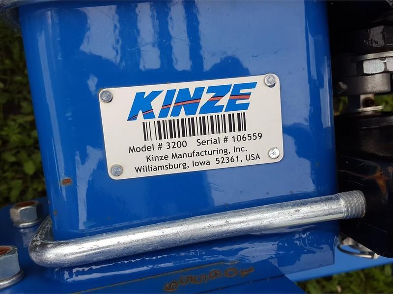 2016 Kinze 3200 Planter