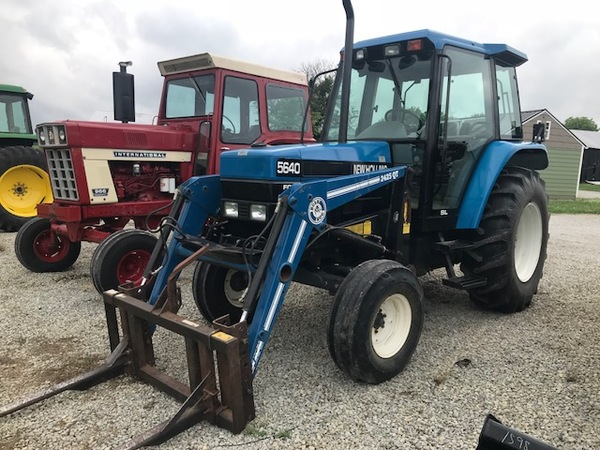 New Holland 5640 Tractor