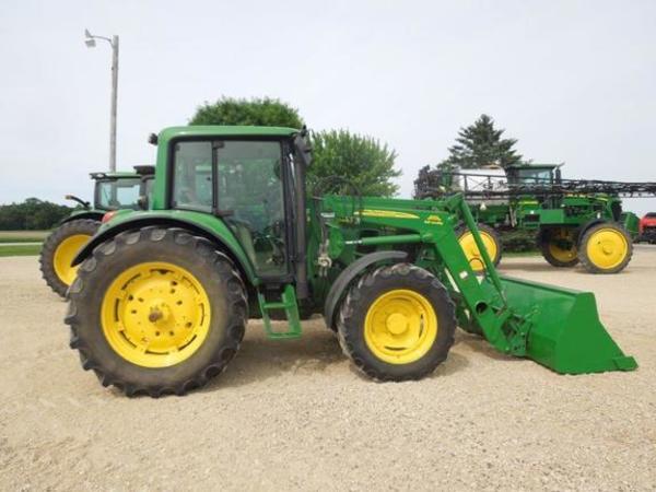 2009 John Deere 6430 Premium Tractor