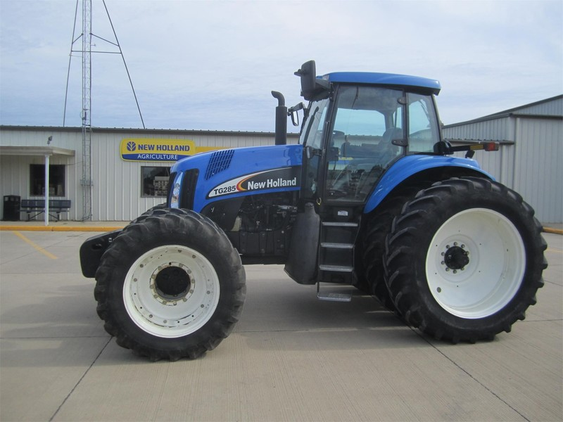 2003 New Holland TG285 Tractor