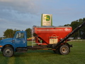1992 International Harvester 4900 Self-Propelled Fertilizer Spreader
