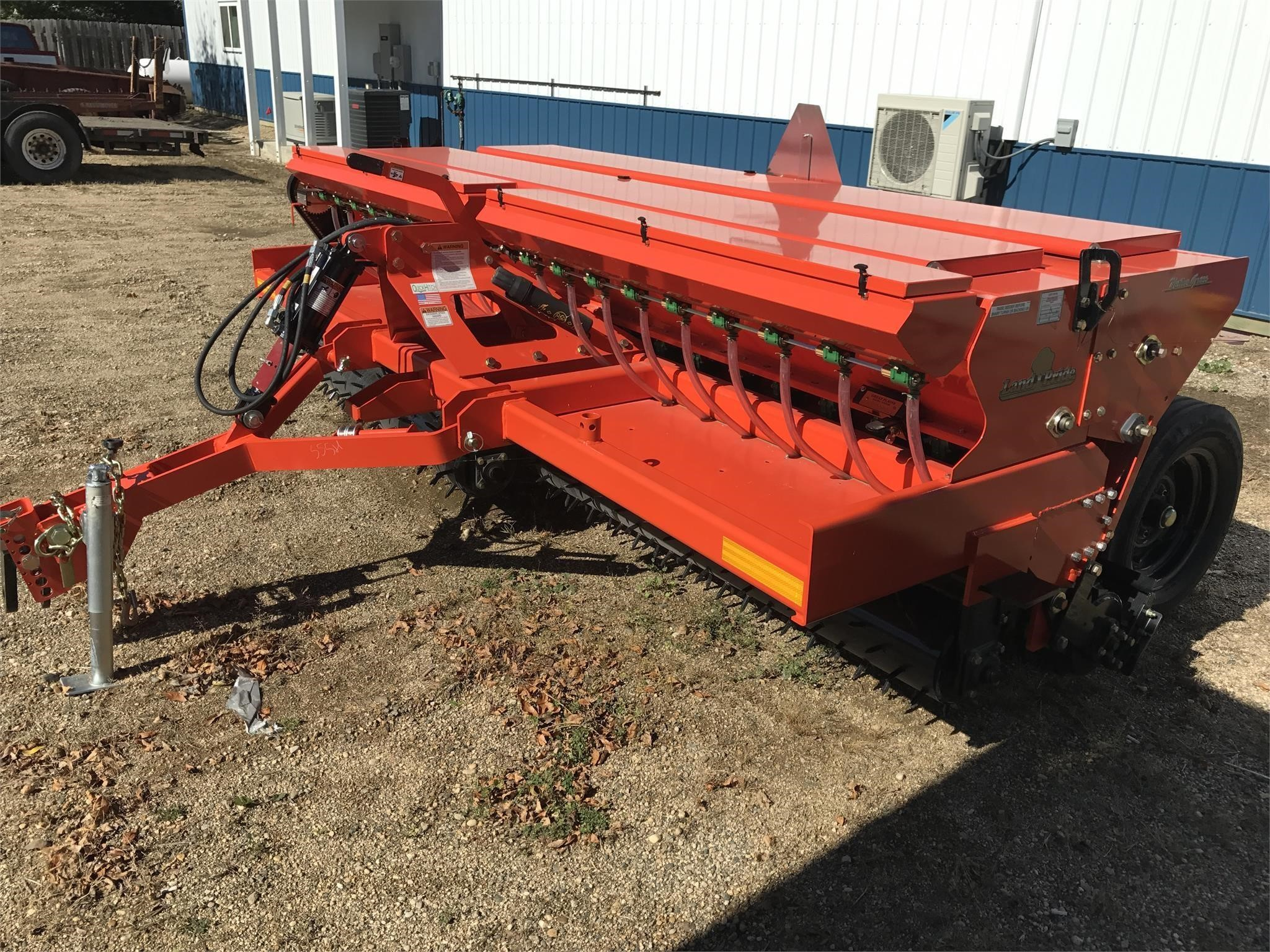 2017 Land Pride NTS2511 Drill
