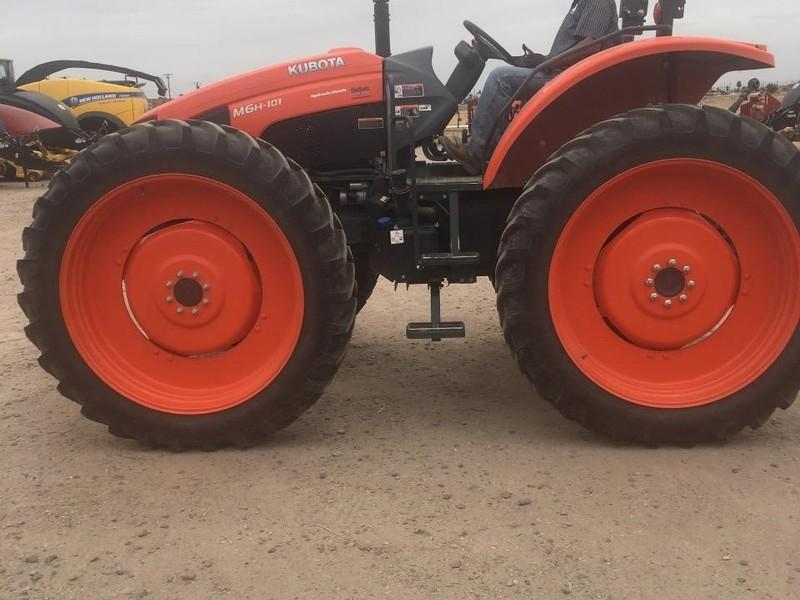 2017 Kubota M6H-101 Tractor