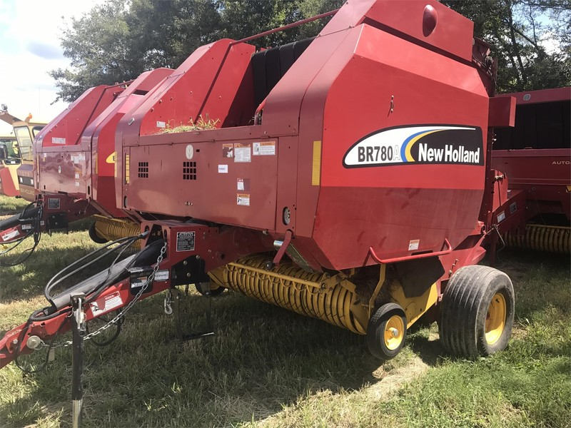 2007 New Holland BR780A Round Baler