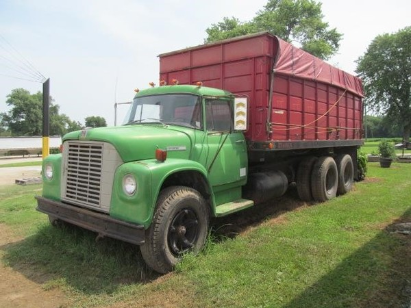 Grain Trucks For Sale >> 1974 International Loadstar Grain Truck Ridgway Illinois