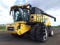 2011 New Holland CR9080 Combine