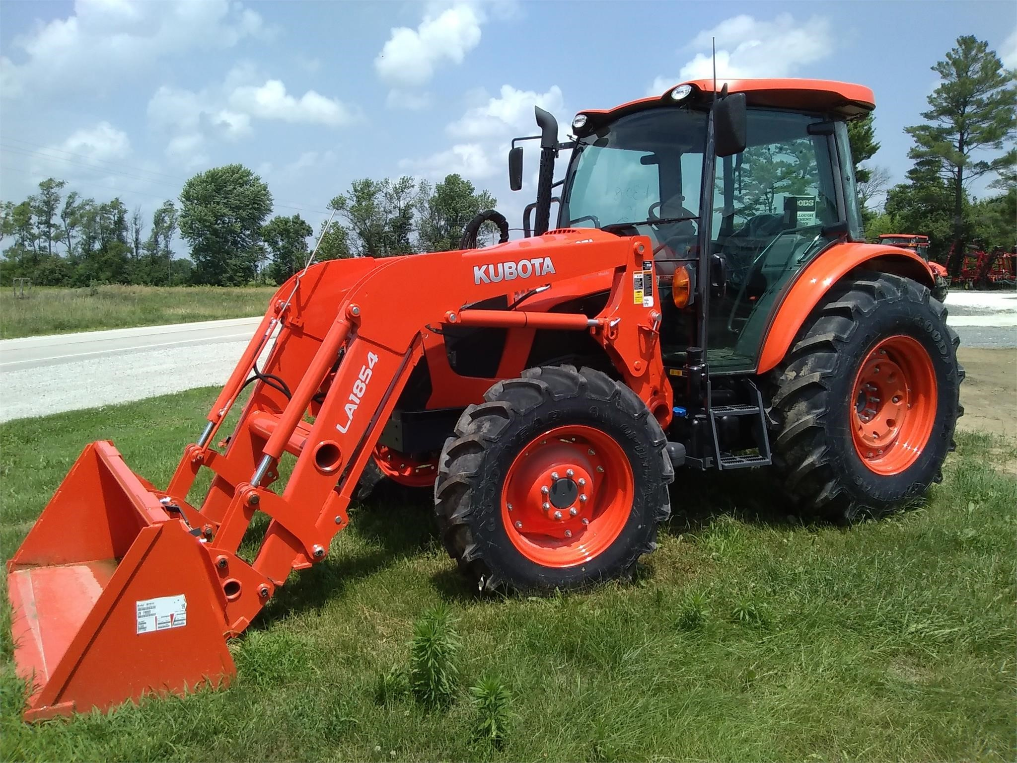 Kubota M5-111 Tractor