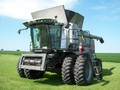 2011 Gleaner A76 Combine