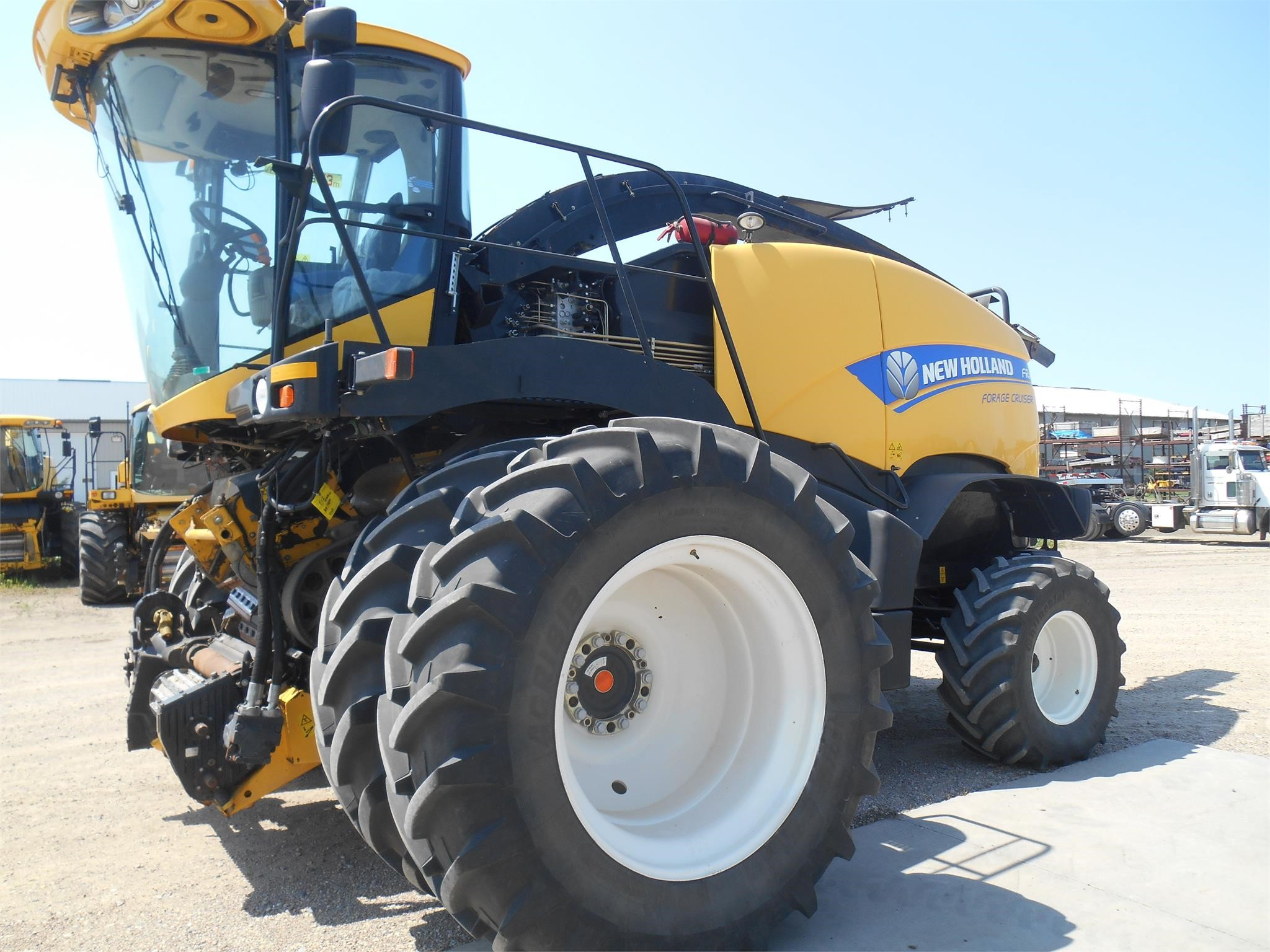 2013 New Holland FR850 Self-Propelled Forage Harvester