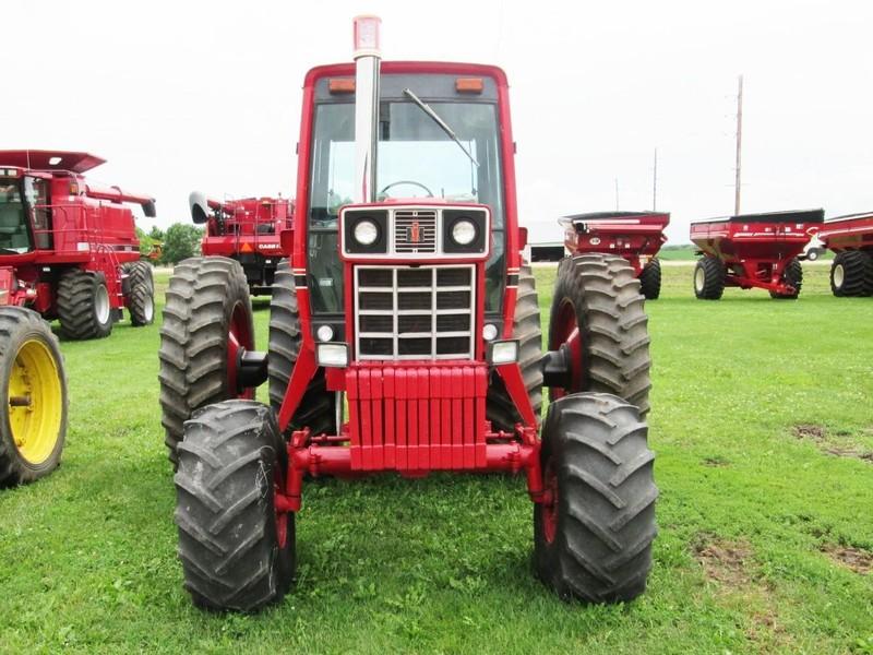 1977 International Harvester 1586 Tractor