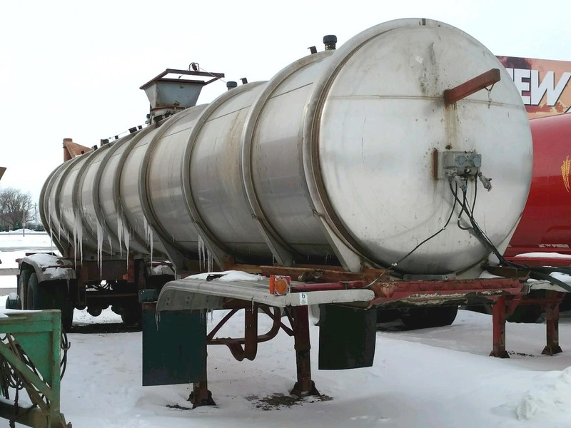 1982 Trailmobile 6500 Gallon Tank