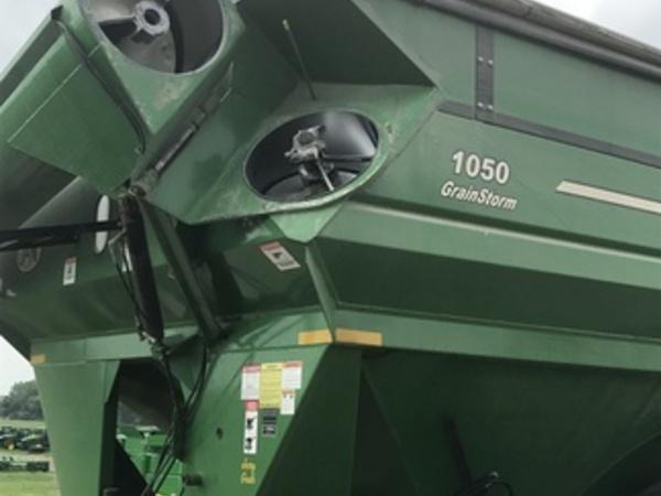 2012 J&M 1050-22S Grain Cart