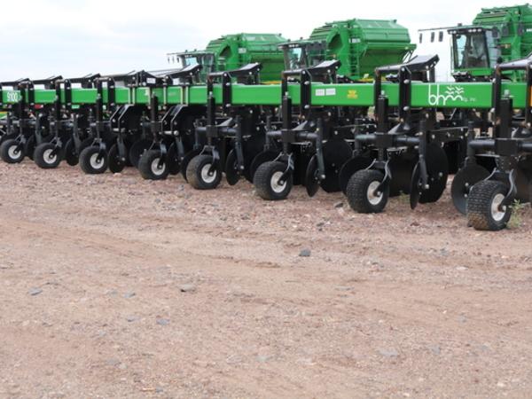 2016 B&H 8R40 Cultivator