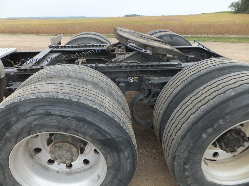 2004 Peterbilt 379 Semi Truck