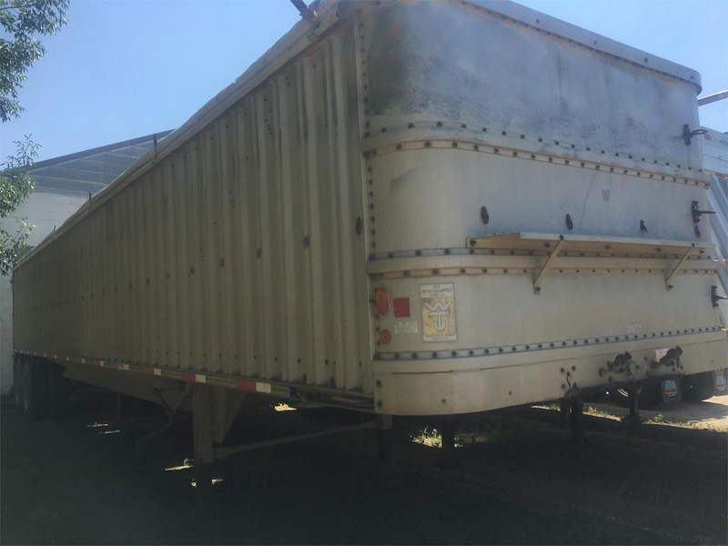 1982 Wilson Hopper Grain Trailer