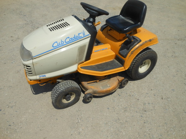 Cub Cadet 2166 Lawn and Garden