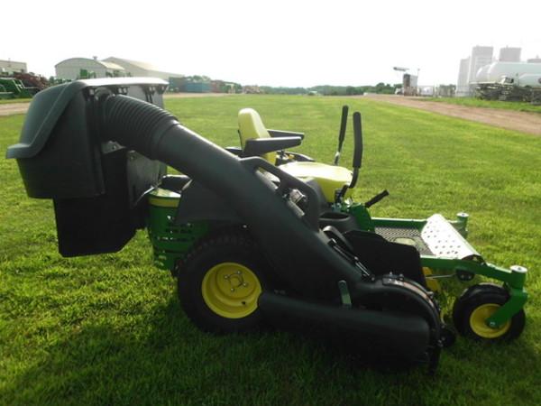 2015 John Deere Z435 Lawn and Garden