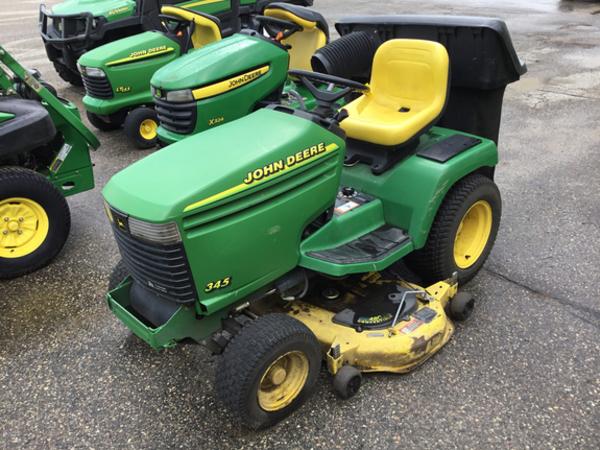 1999 John Deere 345 Lawn and Garden