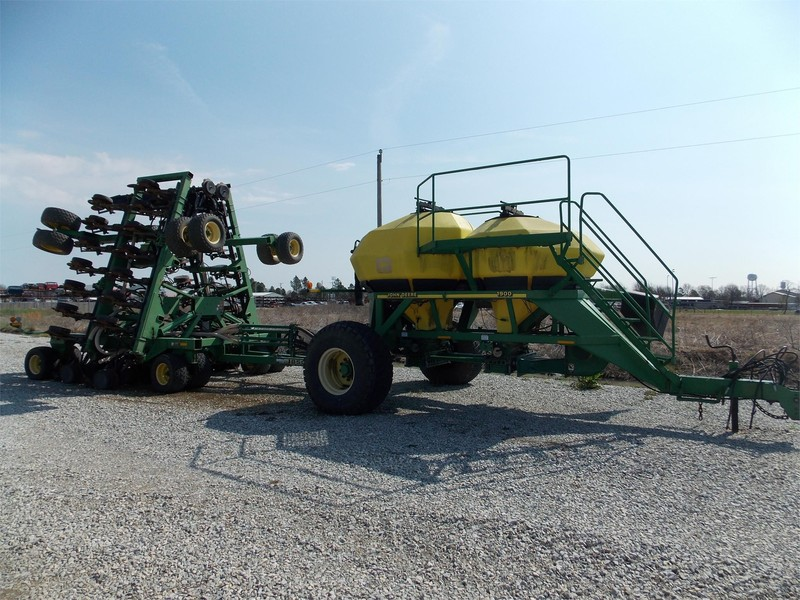 2005 John Deere 1850 Air Seeder