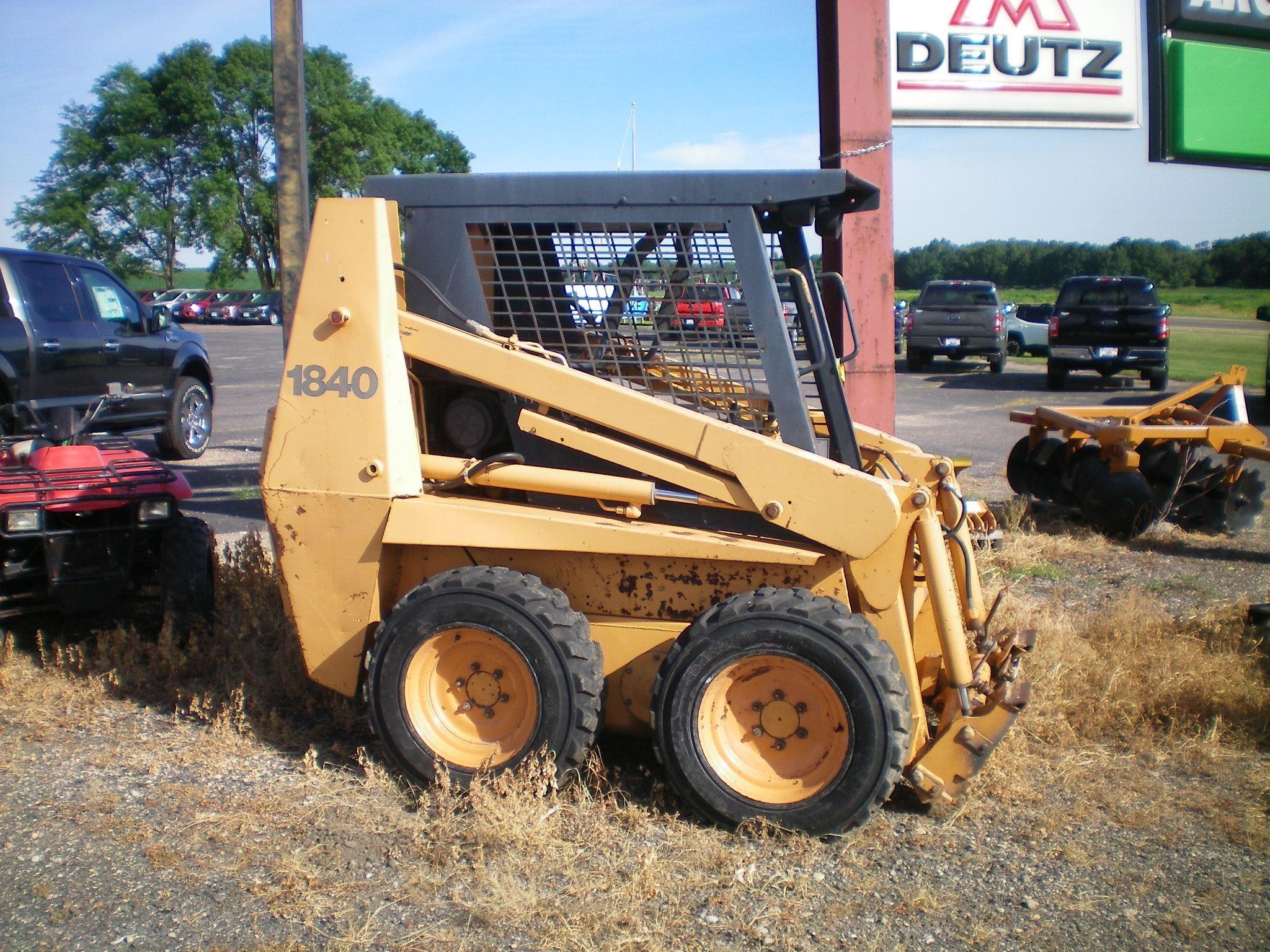 2000 Case 1840 Skid Steer