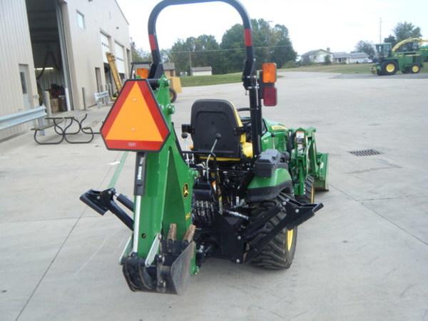 2015 John Deere 1025R Tractor