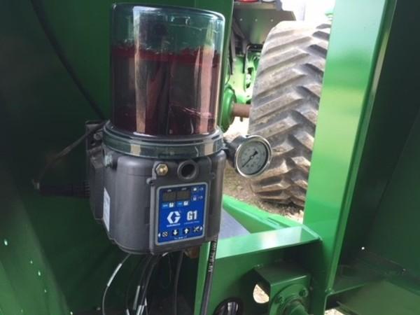 2014 Brent 1282 Grain Cart