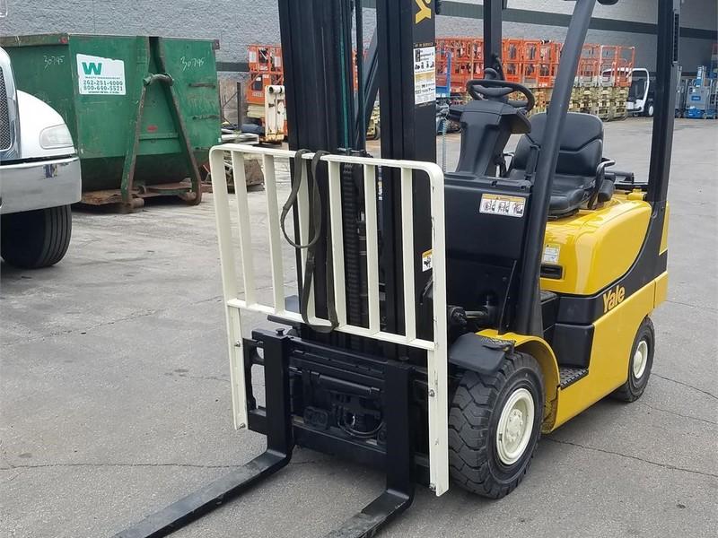 2012 Yale GLP040SVX Forklift