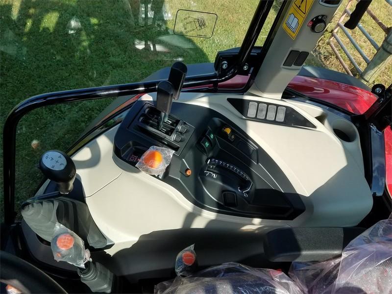 2018 Massey Ferguson 4707 Tractor