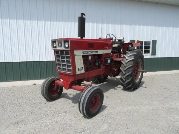 1972 International Harvester 966 Tractor