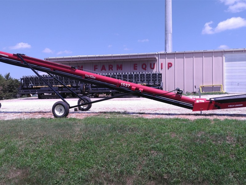 2018 Universal 1537 FIELD LOADER TD Augers and Conveyor