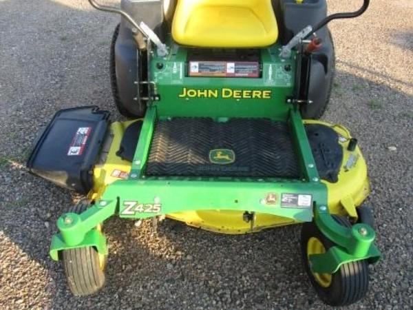2010 John Deere Z425 Lawn and Garden