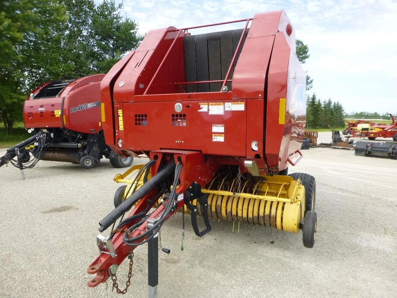 2011 New Holland BR7070 Round Baler