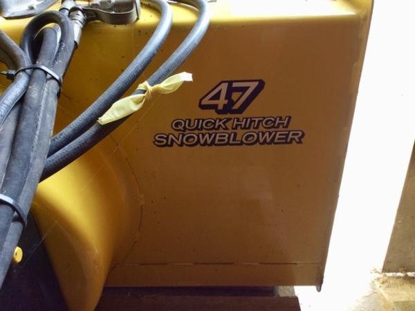 "John Deere 47"" Snowblower Snow Blower"