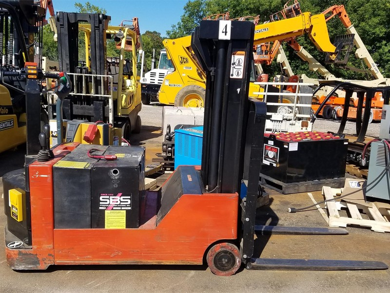 E A Ad F Ceecec C En also Raymond Forklift Manuals further Yale Order Pickers also Pr B additionally Toyota Bt Forklifts Class Prime Mover. on bt prime mover forklifts