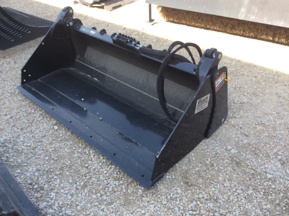 2014 John Deere MP72B Loader and Skid Steer Attachment