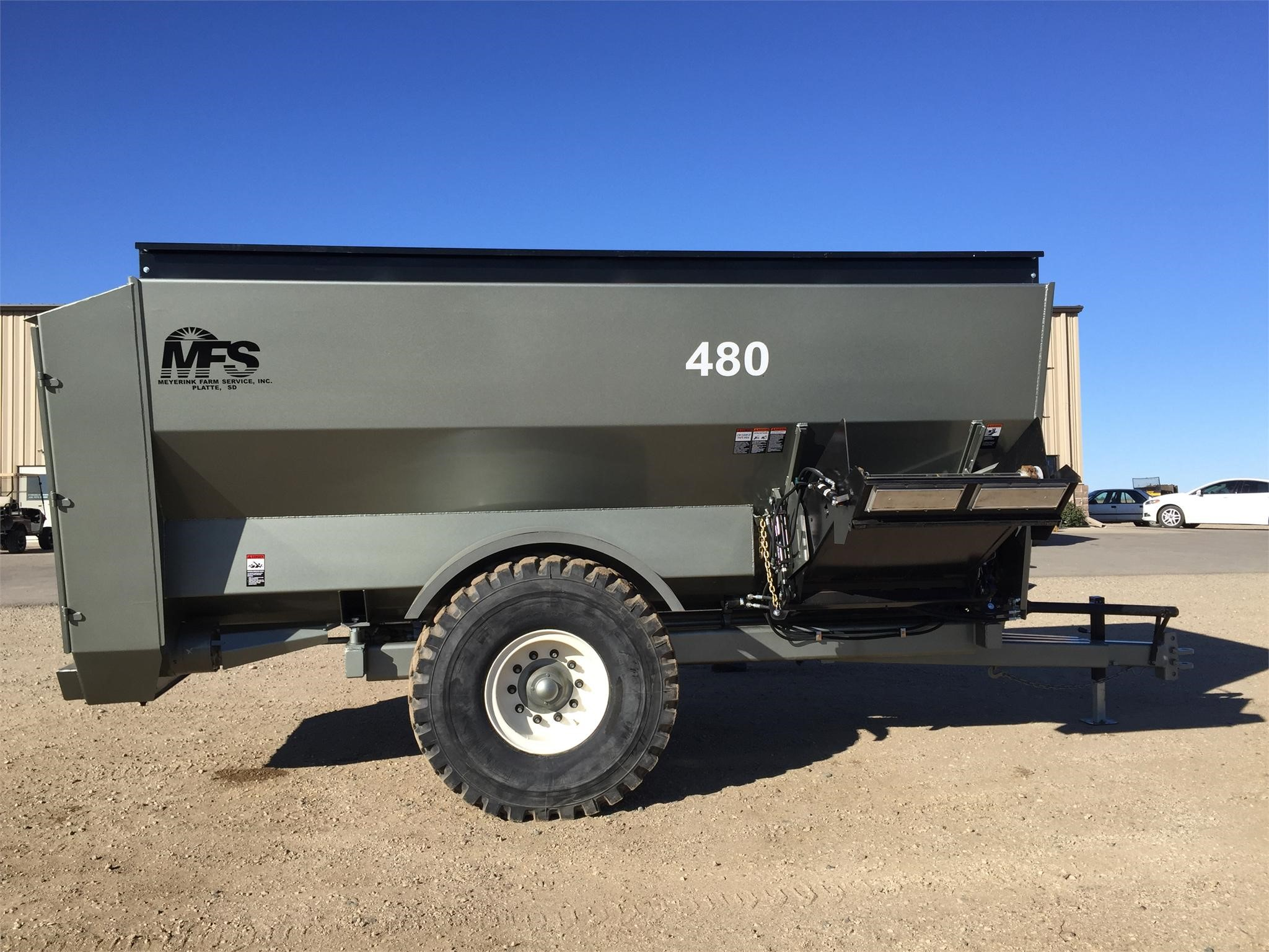 2020 Meyerink Farm Service 480 Grinders and Mixer
