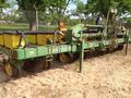 2000 John Deere 7300 Planter