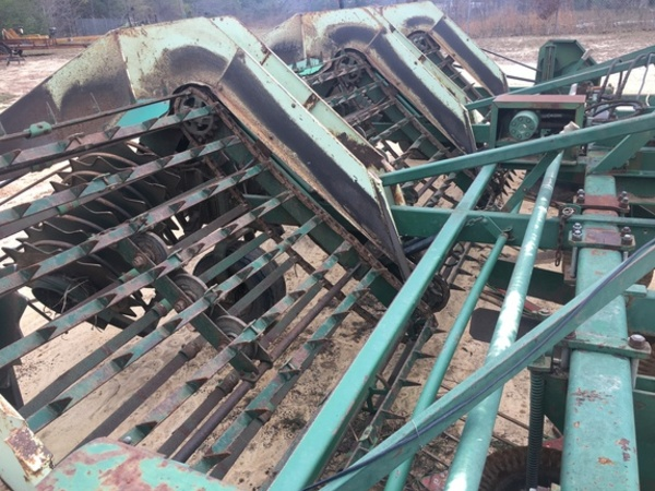 2000 Kelley Manufacturing 636 Peanut