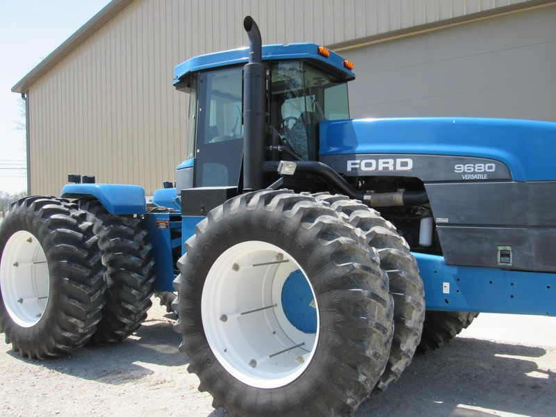 1995 Ford 9680 Tractor