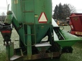 John Deere FEED MIXER 400 Grinders and Mixer