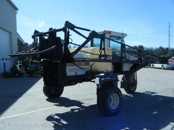 1989 Melroe SPRA-COUPE 220 Self-Propelled Sprayer