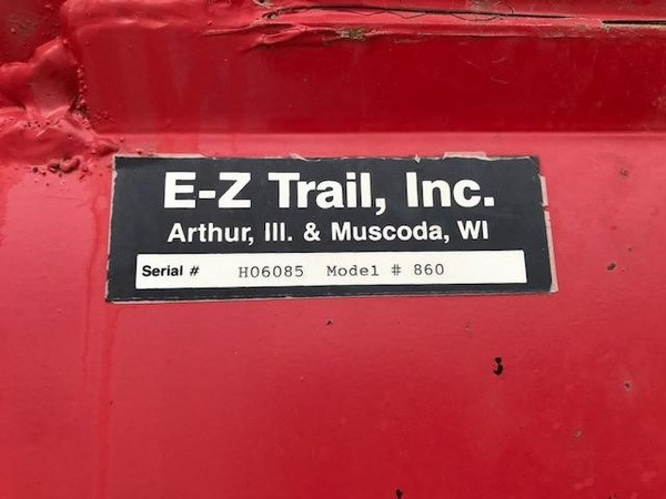 2006 E-Z Trail 860 Grain Cart