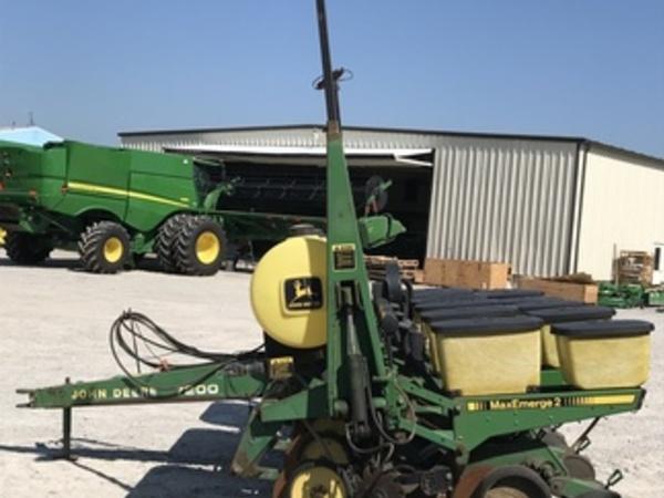 1987 John Deere 7200 Planter