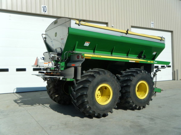 2012 John Deere DN345 Pull-Type Fertilizer Spreader