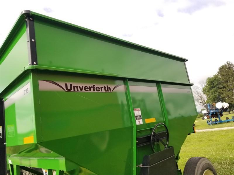 2015 Unverferth 235 Gravity Wagon