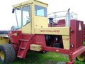 1992 New Holland 1118 Self-Propelled Windrowers and Swather
