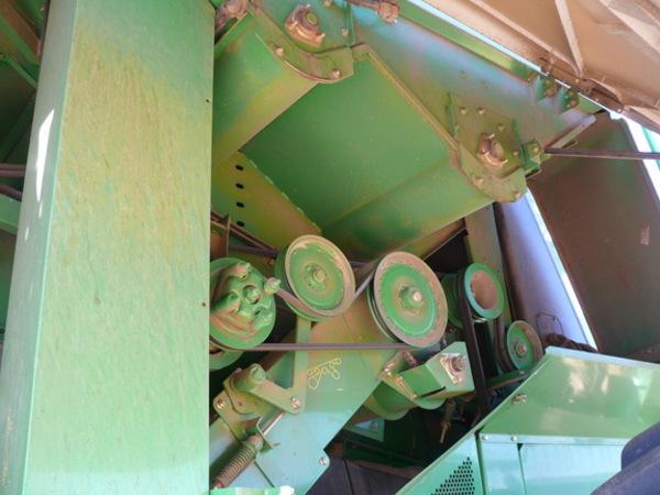 2006 John Deere 9860 STS Combine