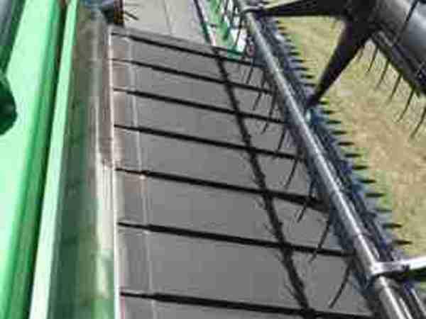 2010 John Deere 640D Platform