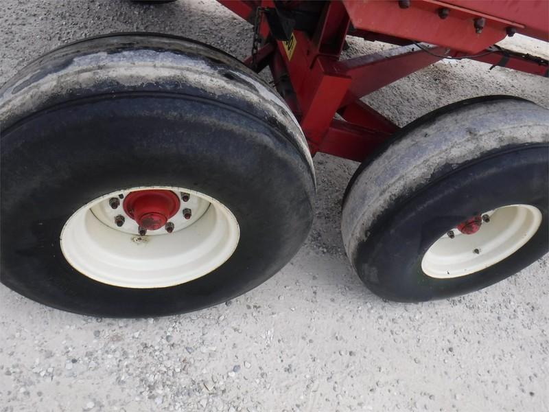 Miller Pro 5100 Forage Wagon